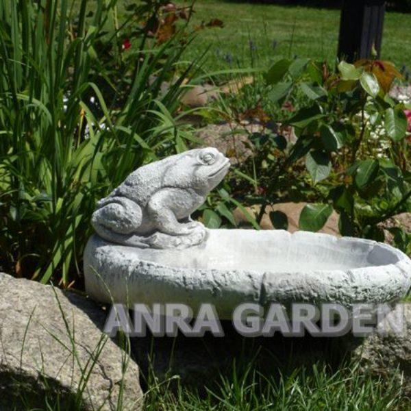 poidełko ogrodowe dla ptaków