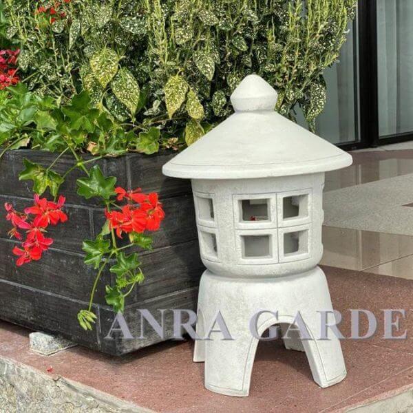 Pagoda - lampa na taras lub do ogrodu.