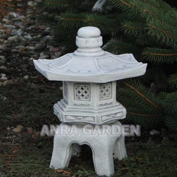Lampa pagoda do ogrodu.
